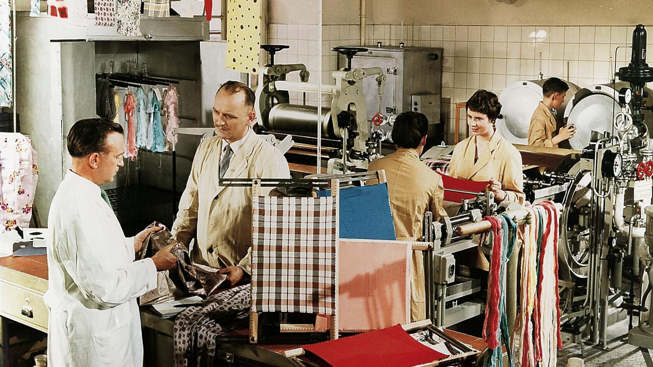 1960 Expand of dye product range