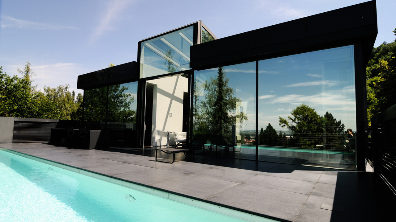 ARC APP modern black house windows LoRes